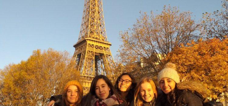 les JRI au pied de la Tour Eiffel